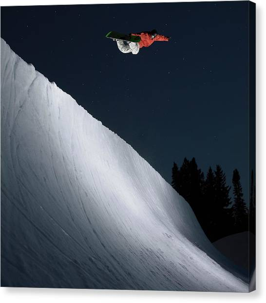 Snowboarder In Halfpipe At Dusk Canvas Print