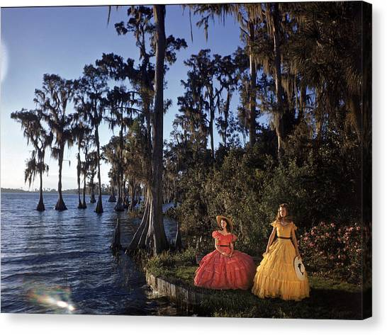 Southern Belles In Cypress Gardens Canvas Print by Eliot Elisofon