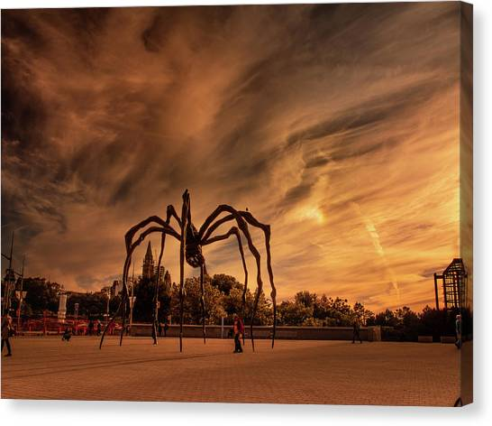 Canvas Print featuring the photograph Spider Maman - Ottawa by Juan Contreras