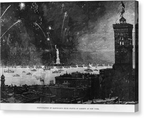 Statue Of Liberty Canvas Print by Hulton Archive