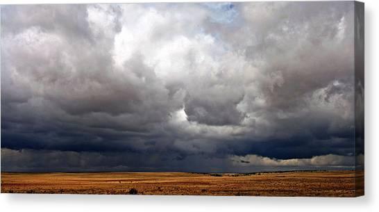 Storm's A-gathering Canvas Print