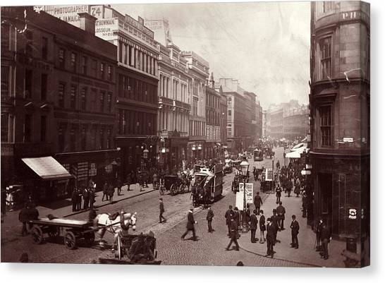 Street In Glasgow Canvas Print by Hulton Archive