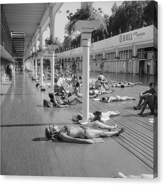 Sun Bath Deligny Swimming Pool Paris In Canvas Print