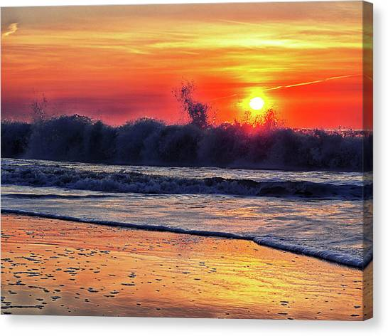 Canvas Print featuring the photograph Sunrise At 142nd Street Beach Ocean City by Bill Swartwout Fine Art Photography