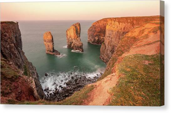 Canvas Print featuring the photograph Sunrise At Stack Rocks by Elliott Coleman