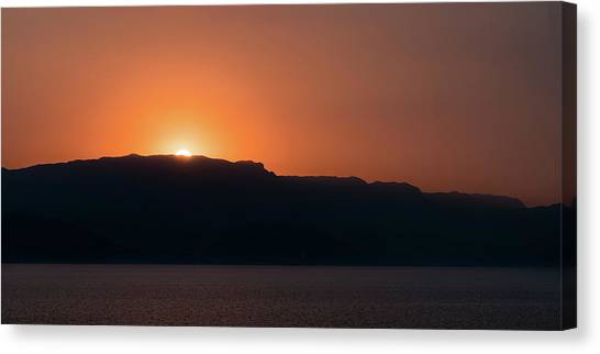 Sunset At Over The Mountains In The Red Sea Canvas Print