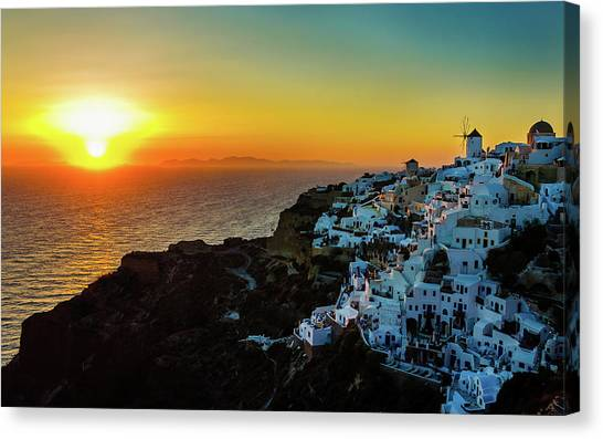 Sunset In Oia, Santorini, Greece Canvas Print