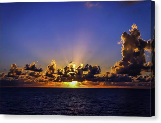 Canvas Print featuring the photograph Sunset In The Bahamas by Dawn Richards