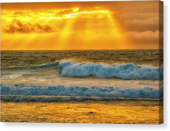 Sunset On A Rainy Day Canvas Print by Fernando Margolles