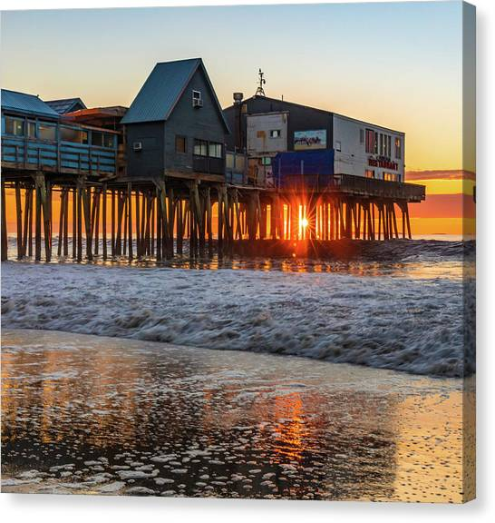 Canvas Print featuring the photograph Sunstar At Pier Patio Old Orchard Beach by Dan Sproul