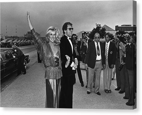 Suzanne Somers Arrives At The Emmy Canvas Print by George Rose