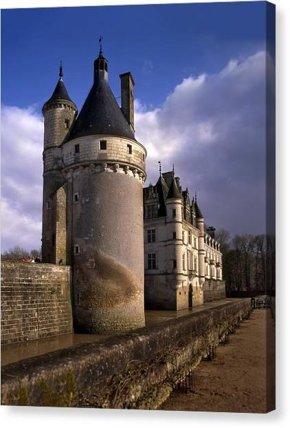 Chenonceau Castle Canvas Print - The Chateau De Chenonceau On Loire by Izzet Keribar