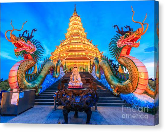 The Dragon In Temple Wat Hyua Pla Kang Canvas Print by Apiguide