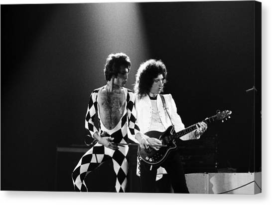 The Rock Group Queen In Concert Canvas Print by George Rose