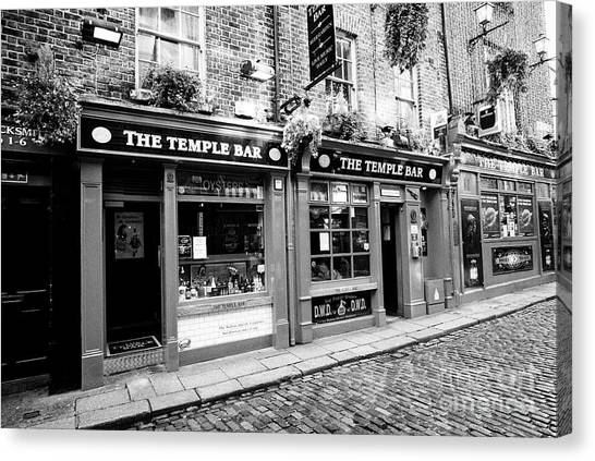 the temple bar pub Dublin Republic of Ireland Europe Canvas Print by Joe Fox