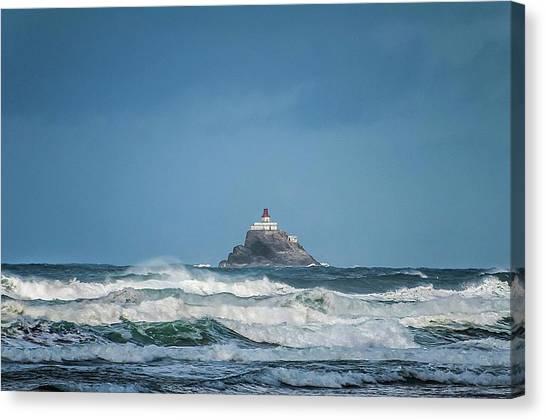 Tillamook Rock Lighthouse Near Cannon Beach Canvas Print