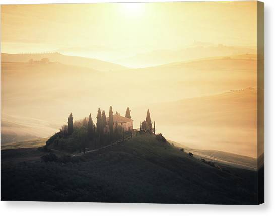 Traditional Tuscan Farmhouse At Sunrise Canvas Print by Borchee