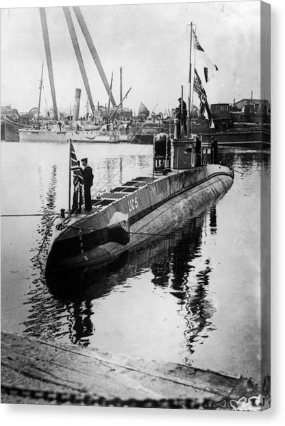 U-boat Canvas Print by Hulton Archive