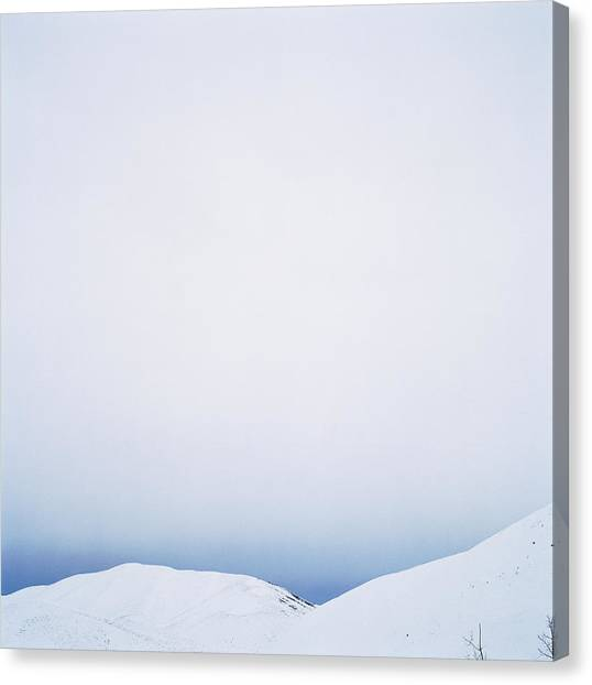 Usa, Idaho, Rocky Mountains, Sun Canvas Print by Ryan Mcvay
