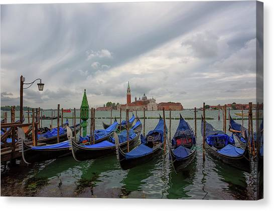 Canvas Print featuring the photograph Venice Gondola's Grand Canal by Nathan Bush