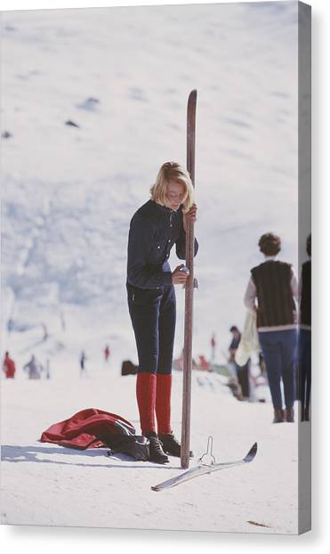 Verbier Skier Canvas Print by Slim Aarons