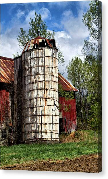 Canvas Print featuring the photograph Vermont Farmhouse Silo  by Betty Pauwels