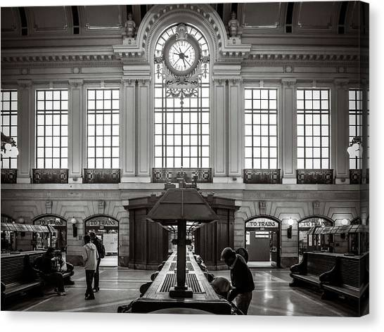Canvas Print featuring the photograph Waiting Room by Steve Stanger