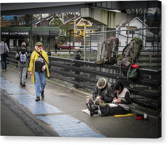Walking-travellers Canvas Print