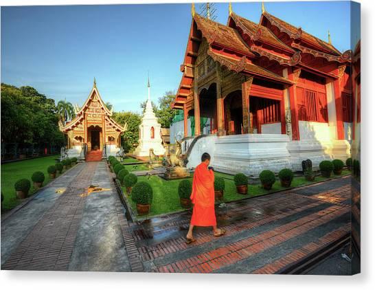 Wat Phra Singh, Chiang Mai Canvas Print by Ashit Desai