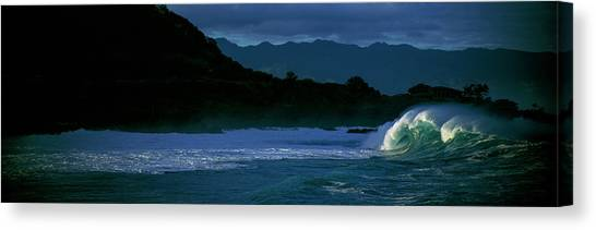 Canvas Print - Waves In The Pacific Ocean, Waimea Bay by Panoramic Images