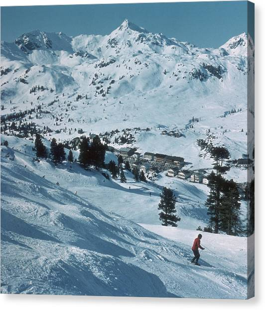 Winter Sport Canvas Print by Frederic Lewis