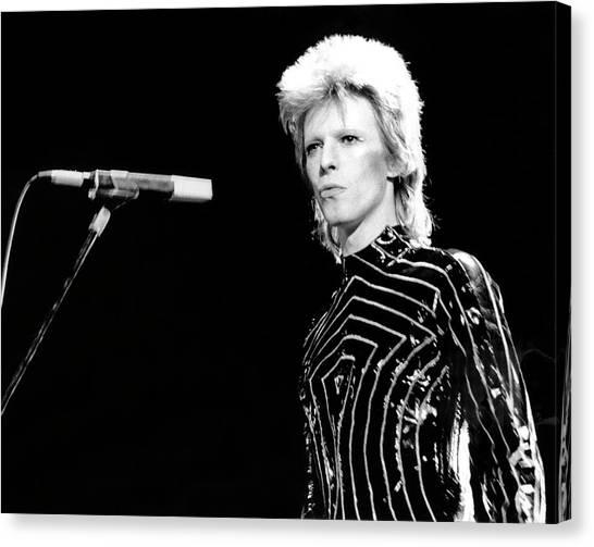 Ziggy Stardust Era Bowie In La Canvas Print by Michael Ochs Archives