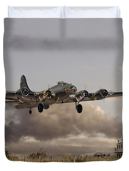 B17- 'airborne' Duvet Cover by Pat Speirs