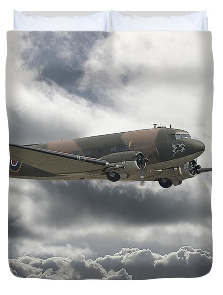 Dc3 Dakota   Workhorse Duvet Cover by Pat Speirs