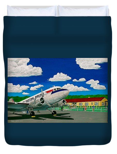 Portsmouth Ohio Airport And Lake Central Airlines Duvet Cover by Frank Hunter