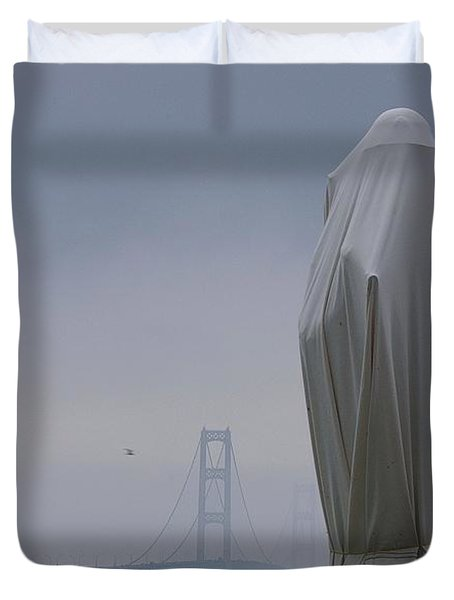 Duvet Cover featuring the photograph  Veil Monument by Randy Pollard