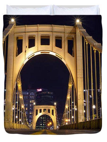 0304 Roberto Clemente Bridge Pittsburgh Duvet Cover