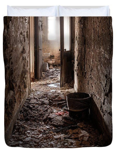 Abandoned Building - Hallway To Ladies Room Duvet Cover by Gary Heller