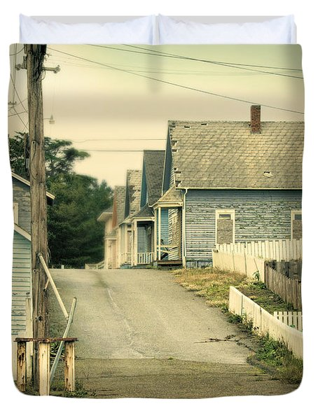 Abandoned Shacks Duvet Cover by Jill Battaglia