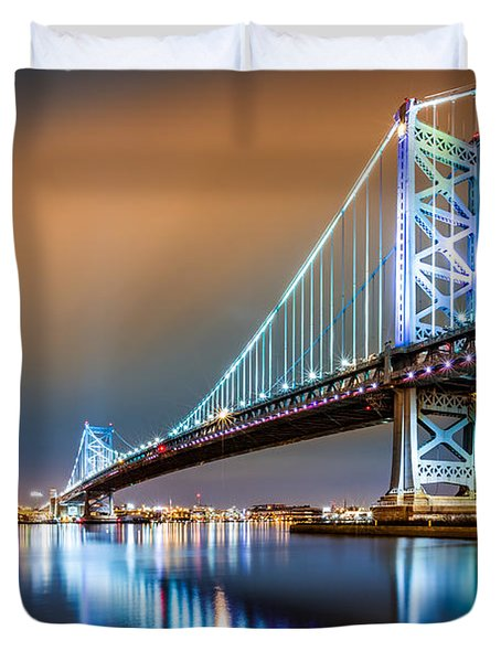 Ben Franklin Bridge And Philadelphia Skyline By Night Duvet Cover