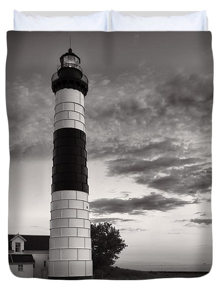 Big Sable Point Lighthouse In Black And White Duvet Cover