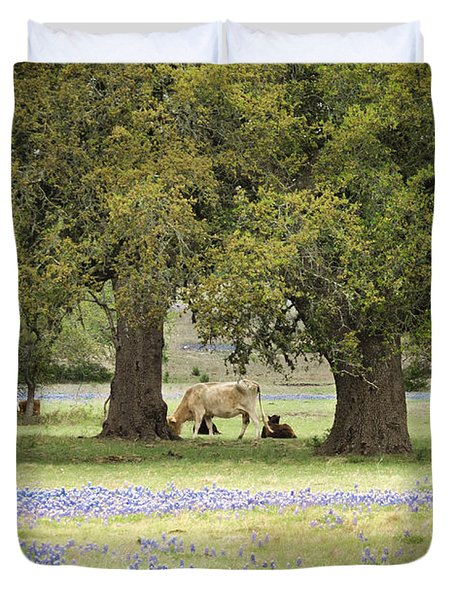 Bluebonnets And Bovines Duvet Cover