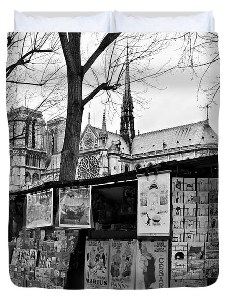 Duvet Cover featuring the photograph Book Sellers By The Seine / Paris by Barry O Carroll