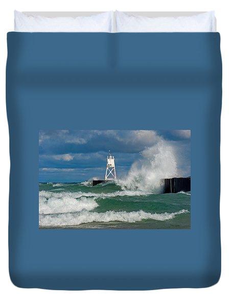 Break Wall Waves Duvet Cover