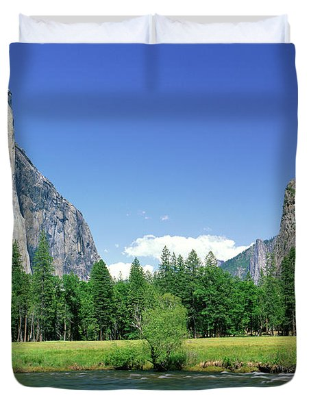 Bridal Veil Falls, Yosemite National Duvet Cover