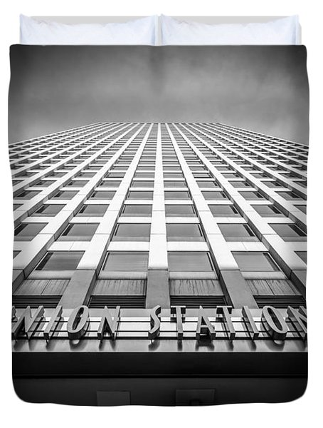 Chicago Union Station In Black And White Duvet Cover by Paul Velgos