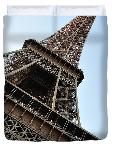 Duvet Cover featuring the photograph Eiffel Tower by Joe  Ng