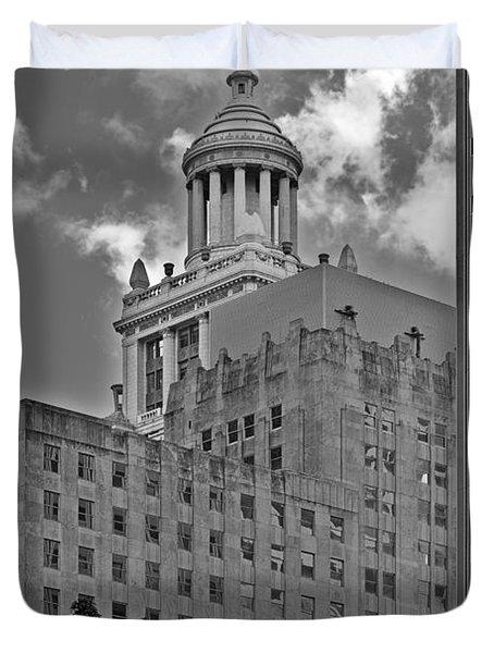 Esperson Buildings Houston Tx Duvet Cover by Christine Till