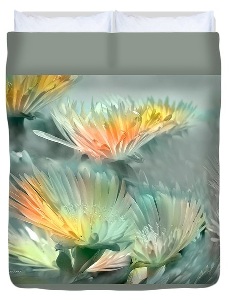 Duvet Cover featuring the photograph Fiesta Floral by Alfonso Garcia