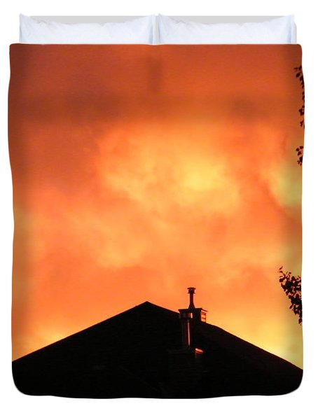 Duvet Cover featuring the photograph Fire In The Sky by Ann E Robson